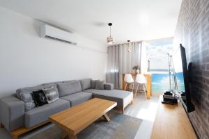 Cozy Sea View Apartment