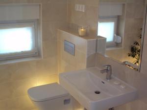 Refresh Boutique Apartments, Apartmanok  Vodice - big - 43