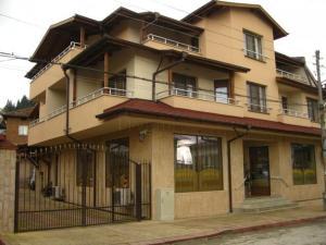 Rudi Family Hotel