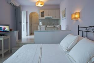 Ammos Naxos Exclusive Apartments & Studios, Apartmánové hotely  Naxos Chora - big - 39
