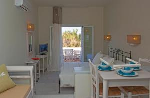 Ammos Naxos Exclusive Apartments & Studios, Apartmánové hotely  Naxos Chora - big - 70