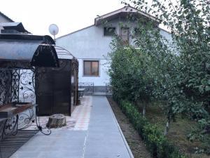 Qarashamb guest house