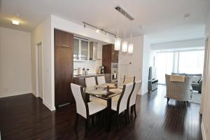 Luxury 3 Br Dt Apartment Toronto, ON, Canada