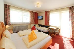 Ski in Ski out Hotel Unterellmau, Отели  Залбах - big - 16