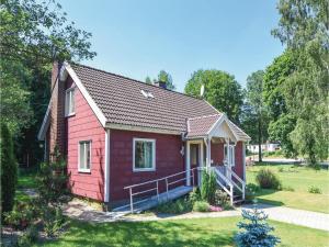 Three Bedroom Holiday Home in Mardaklev