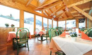 Ski in Ski out Hotel Unterellmau, Hotel  Saalbach Hinterglemm - big - 28