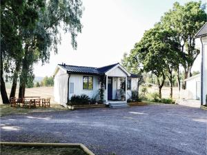 Two Bedroom Holiday Home in Tosse