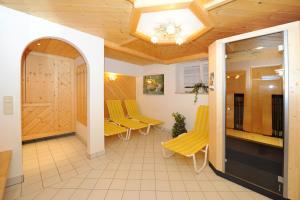 Ski in Ski out Hotel Unterellmau, Отели  Залбах - big - 34