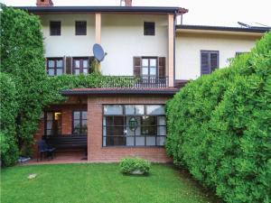 Two Bedroom Apartment in Dobrovo v Brdih