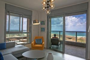 Amazing sea View, steps to beach, near Tel aviv