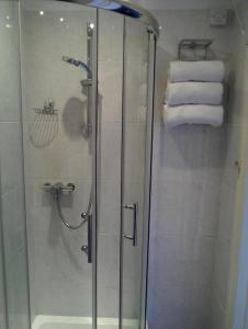 Shower Grove Guest House