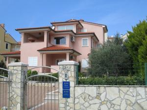 Apartments Villa Fernetich