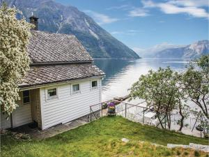 Holiday home Eidfjord Simadalsveien