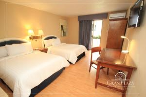 Hotel Gran Plaza & Convention Center Reviews