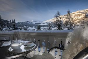 Romantik Hotel Schweizerhof, Hotely  Flims - big - 51