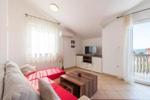דירה 3 - סלון נפרד Apartment near Bijeca Sand Beach in Ostrvo Bodulas