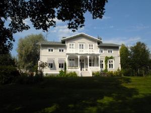 Länsmansgården Ådalen - Accommodation - Lugnvik