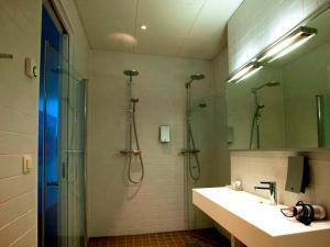 Lofoten Suitehotel, Отели  Сволваер - big - 18