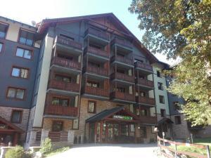 Fatrapark 2 Apartments House
