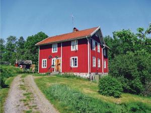 Three Bedroom Accommodation in Holmsjo