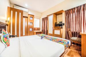 Deluxe Room FabHotel Lakme Executive FC Road