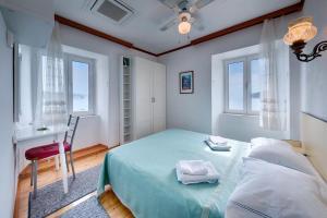 Double Room Komiza 2431c