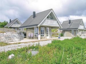 Two Bedroom Holiday Home in Averoy