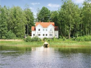 Eleven Bedroom Holiday Home in Ryd