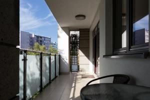 Balcony/terrace P&O Serviced Apartments FABRYCZNA
