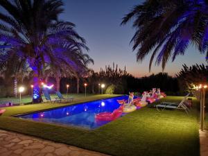 Wunderschoene Villa mit 6 Schlafzimmern mit Pool