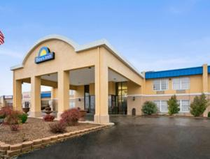 Nearby hotel : Days Inn Madisonville