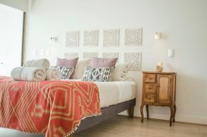Loica Suites III