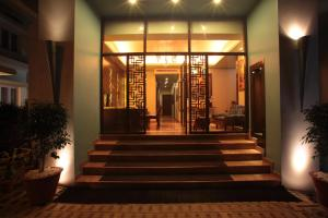 Justa The Residence MG Road