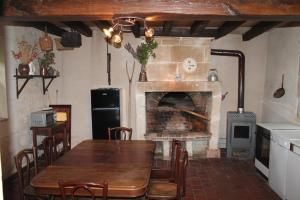 Gite de Charme, Holiday homes  Saint-Aignan - big - 10
