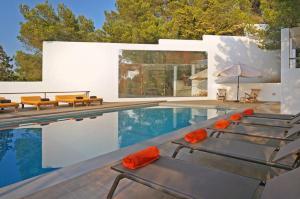 Cala Bassa Villa Sleeps 12 Pool Air Con WiFi