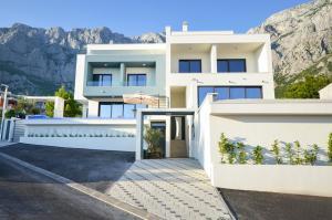 Veliko Brdo Villa Sleeps 8 Pool Air Con WiFi