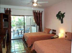 加勒比天堂酒店 (Caribbean Paradise Inn)
