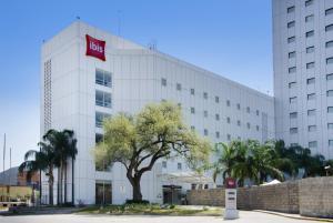 蒙特雷谷宜必思酒店 (Ibis Monterrey Valle)