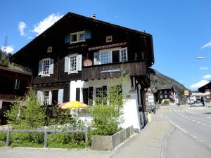 Gotthard Backpacker - Accommodation - Wassen