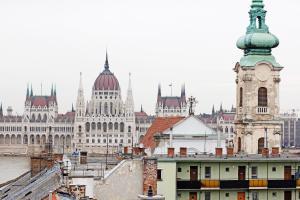 Mimi's Holiday(Budapest)