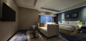 Суит с хидромасажна вана Zhonghao Boutique Hotel Dalang Business Center