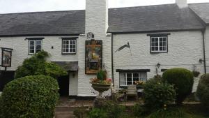 Торбрайан - Old Church House Inn