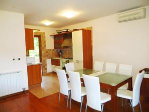 Villa Roses Apartments & Wellness, Apartmány  Ičići - big - 49