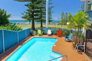 Beach House Holiday Apartments