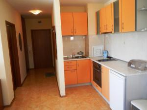 Apartment in Elit 3 Apartcomplex, Apartmány  Slnečné pobrežie - big - 4