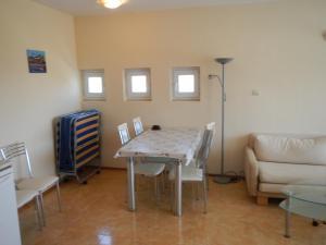 Apartment in Elit 3 Apartcomplex, Apartmány  Slnečné pobrežie - big - 14