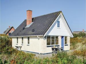 Two Bedroom Holiday Home in Hvide Sande