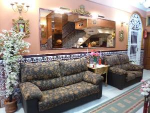 Hostal Virgen Del Rocio, Hostels  Los Palacios y Villafranca - big - 21