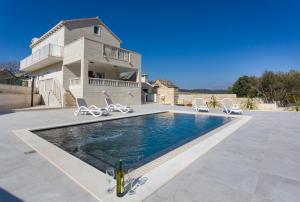 Praznice Villa Sleeps 4 Pool Air Con WiFi