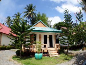 Promtawan river side resort